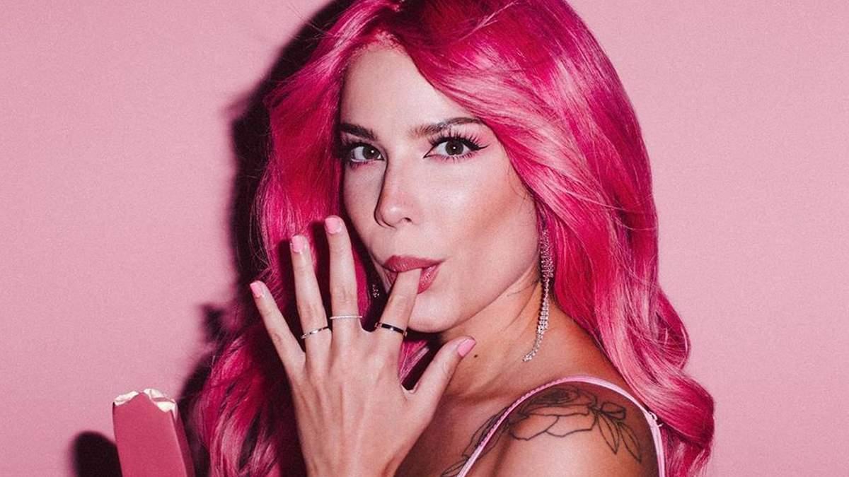 Співачка Halsey знялася у голому купальнику: відверті фото зірки