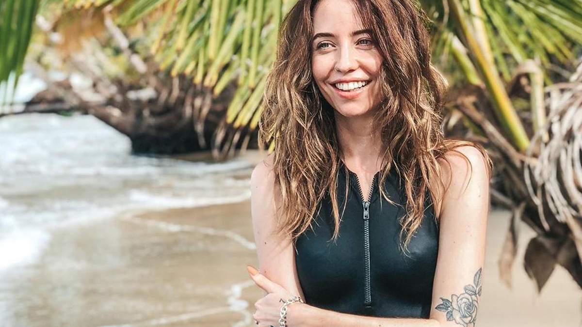 Надя Дорофєєва виклала в інстаграм гаряче фото в купальнику