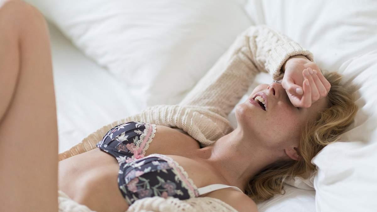 Як зрозуміти, що дівчина симулює оргазм: прості ознаки