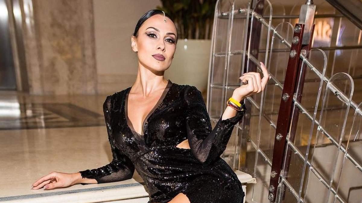 DJ NANA знялася у відвертій спідній білизні: гаряче фото зірки