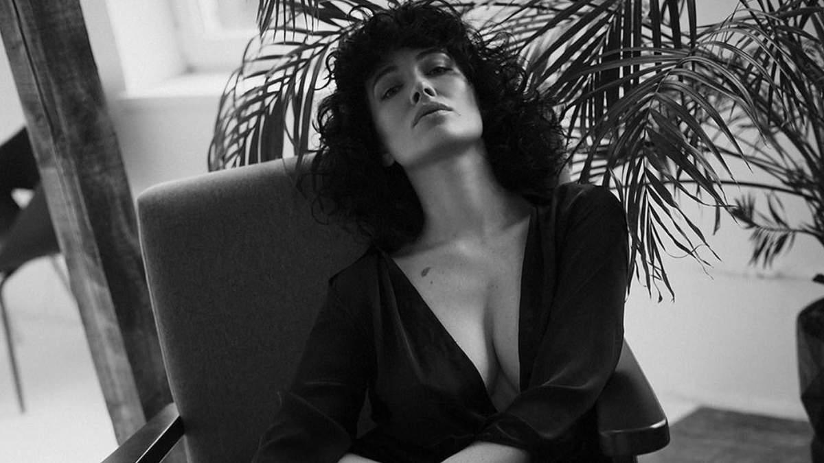 Даша Астаф'єва провела за лаштунки зйомок: гаряче відео співачки