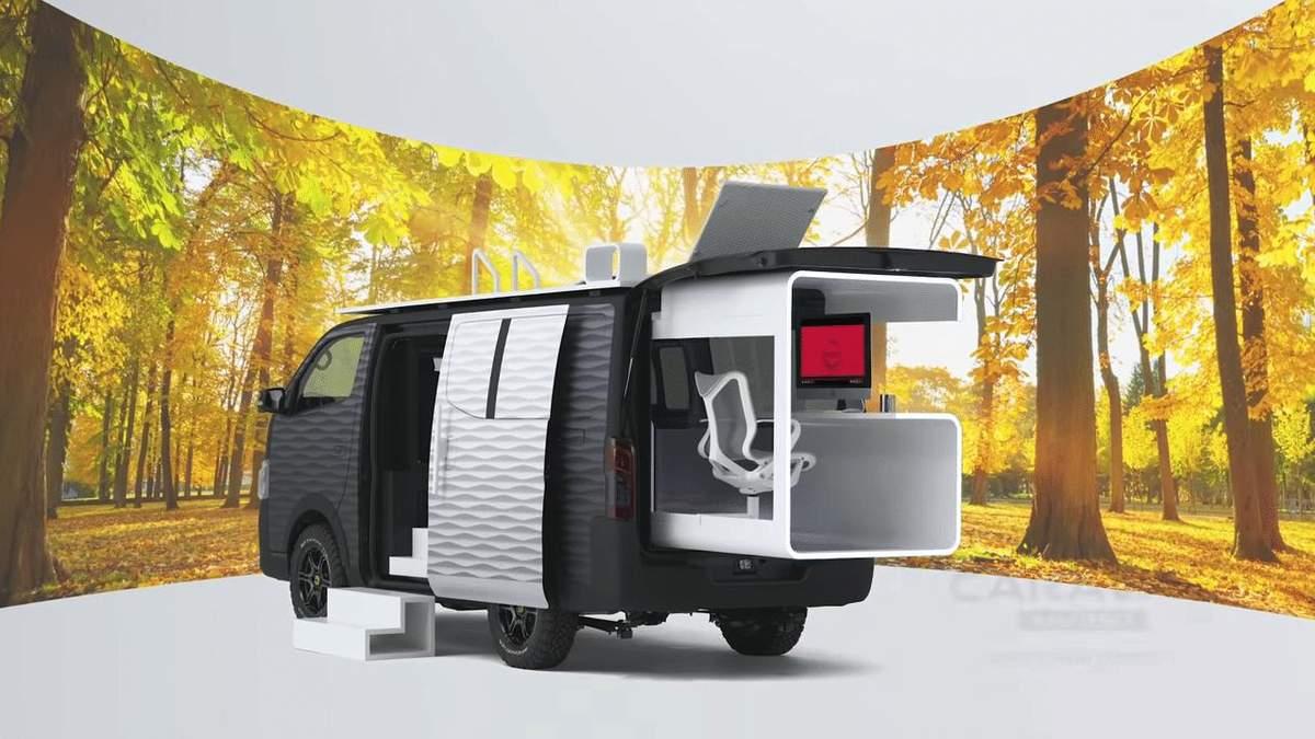 Фургон Nissan Caravan перетворили на офіс для мандрівників: круті фото