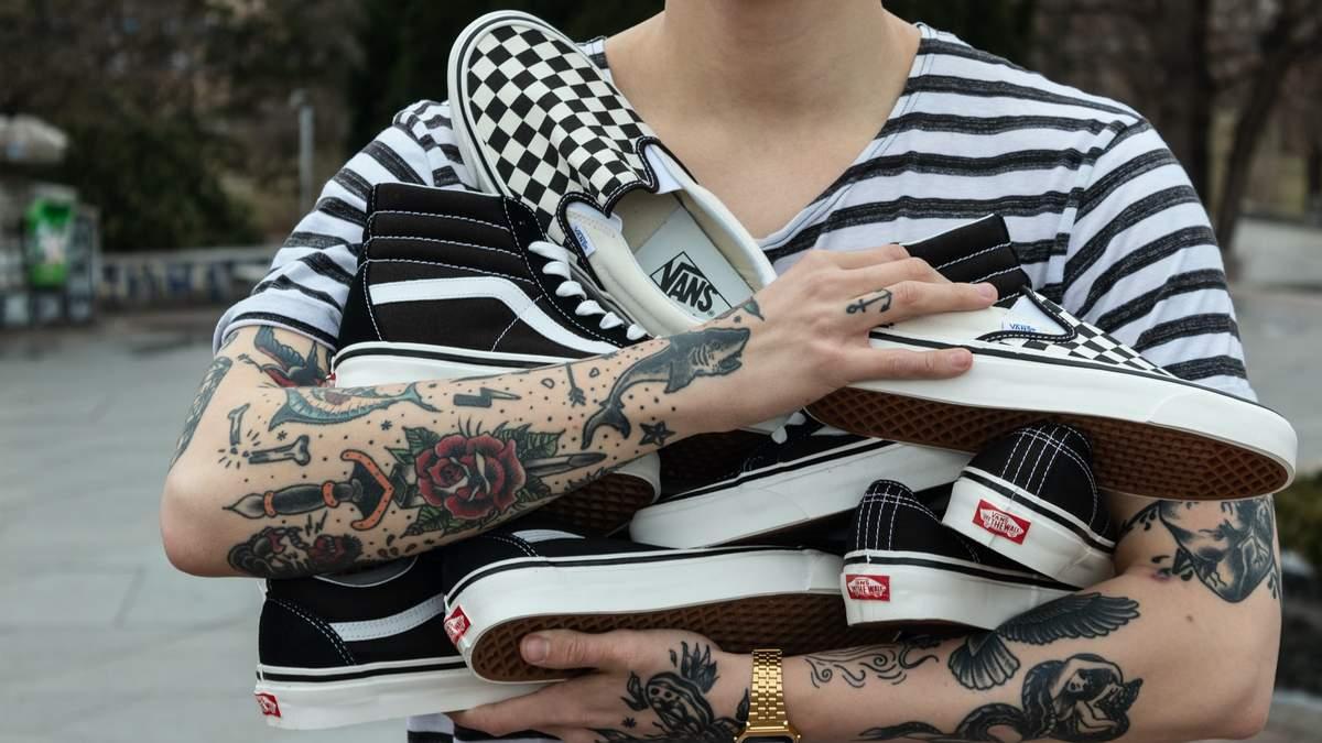 Тату-майстри показали свої найулюбленіші татуювання – відео