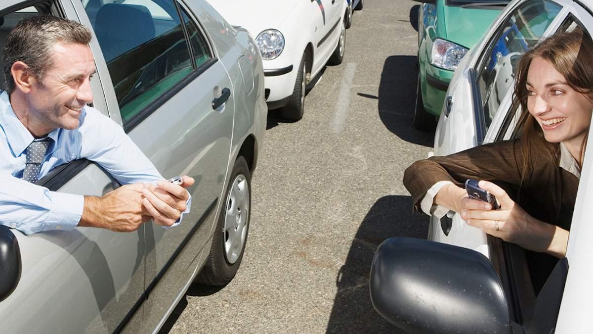 Как правильно знакомиться за рулем: 4 ситуации из жизни