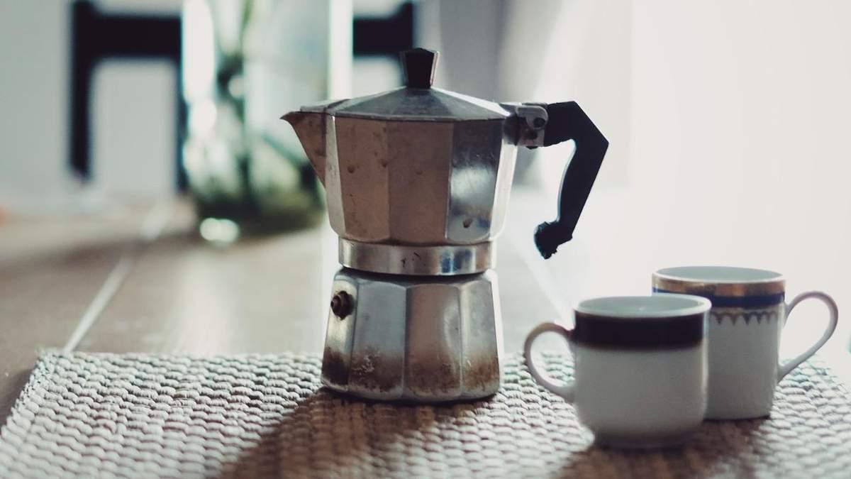 Как приготовить кофе в гейзерной кофеварке – простые хитрости