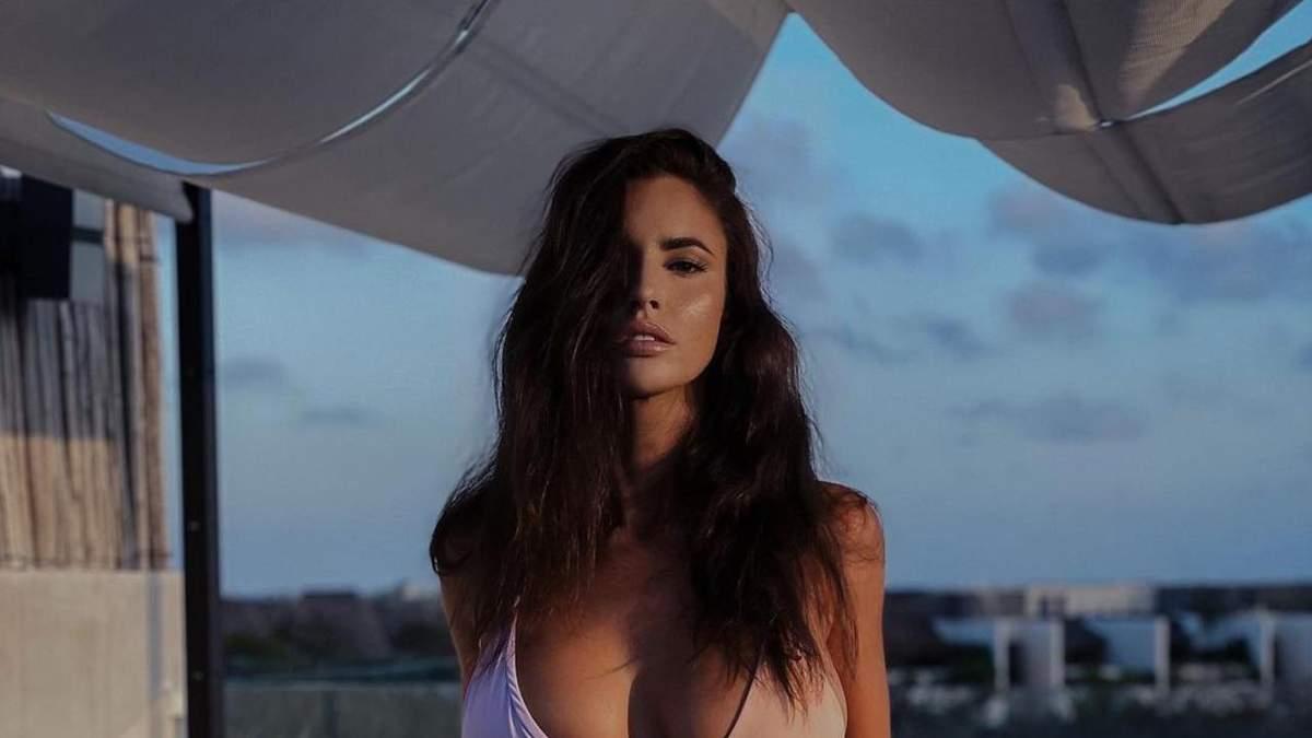 Люсія Яворчекова знялася у крихітному купальнику – гаряче фото моделі