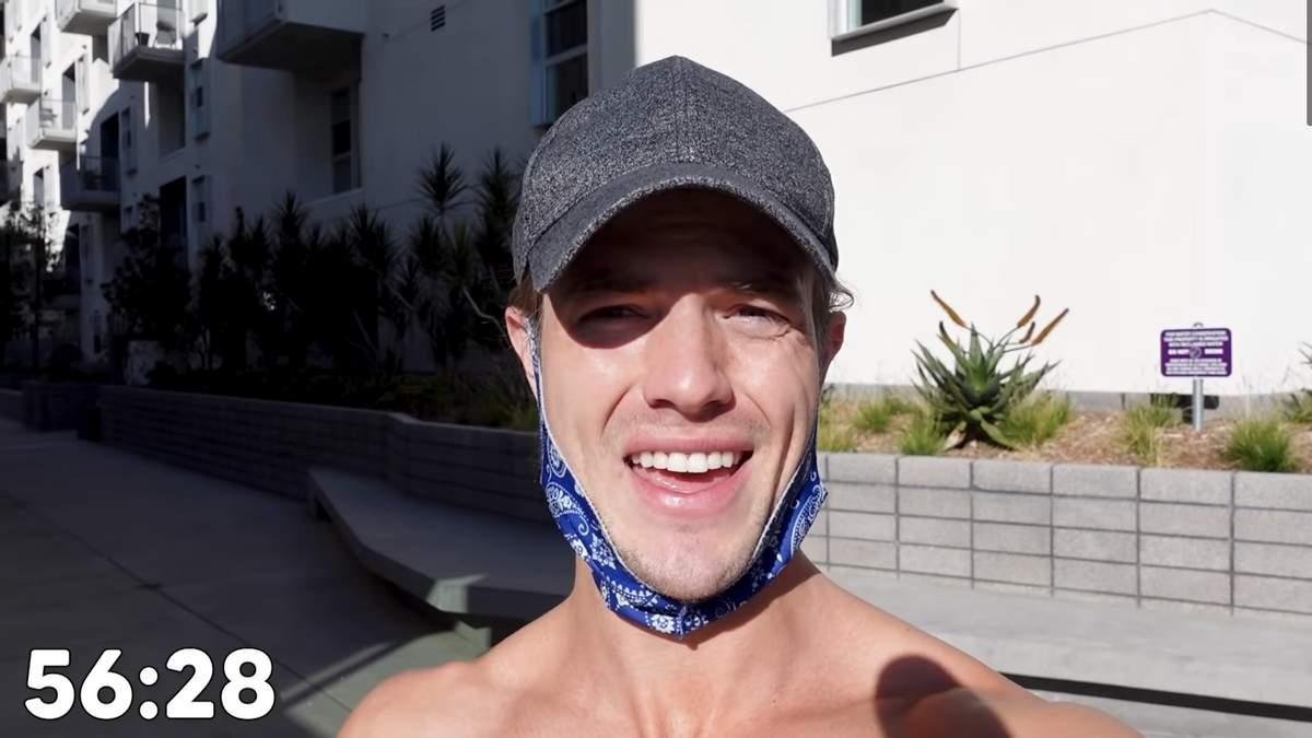 """Блогер показал, как за 30 дней """"комплекс Мерфи"""" изменил его тело: видео тренировок"""