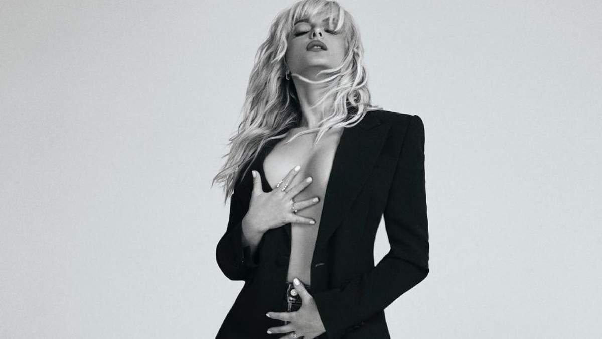 Бібі Рекса знялася у піджаку на голе тіло – гарячі фото співачки
