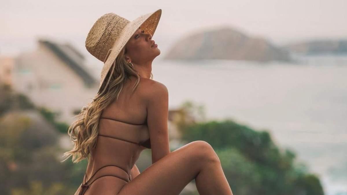 Сінді Прадо похизувалася пружніми сідницями у купальнику: гарячі фото