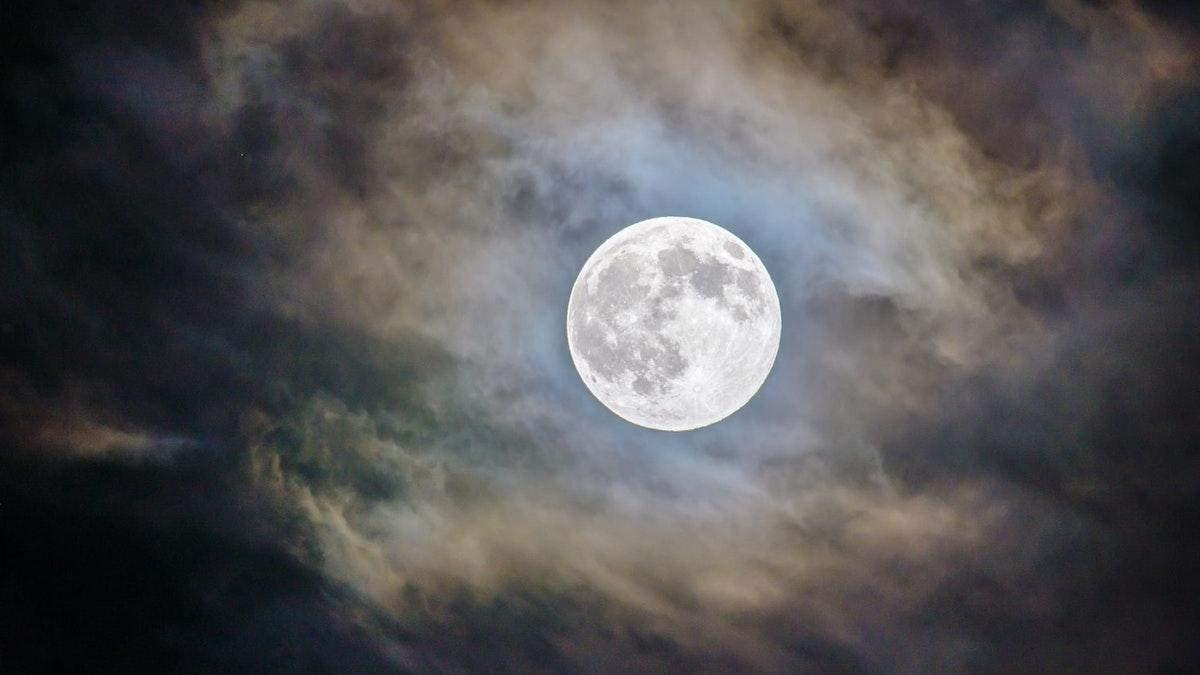 Ніч на всій Землі й зелений Місяць: космічні вигадки, в які досі вірять - Men