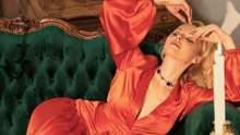 Сексуальна українська ведуча знялася у провокативній спідній білизні: гаряче фото