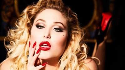 """Дочь звезды """"Спасателей Малибу"""" снялась для Playboy: горячие фото модели 18+"""