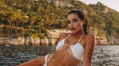 Сексуальна Міс Всесвіт знялася у крихітному бікіні: гарячі фото красуні