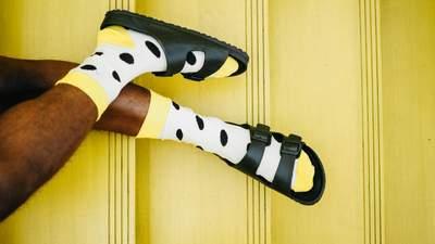 Питання дня: Чи потрібно підбирати шкарпетки під колір взуття