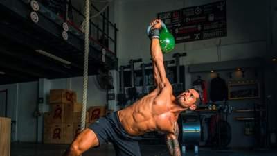 Як отримати спортивний рельєф: чемпіон з кікбоксингу назвав 4 ключі до успіху