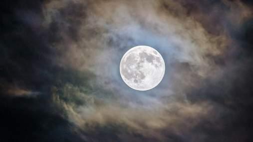 Ніч на всій Землі й зелений Місяць: руйнуємо міфи про космос